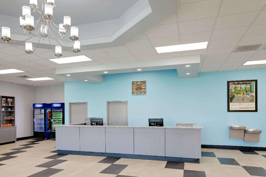 Lobby Howard Johnson by Wyndham Florence