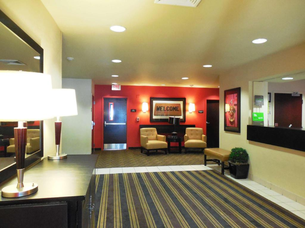 Lobby Extended Stay America Savannah Midtown