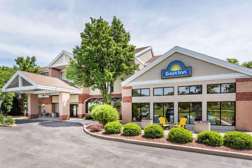 Mais sobre Days Inn & Suites by Wyndham Madison