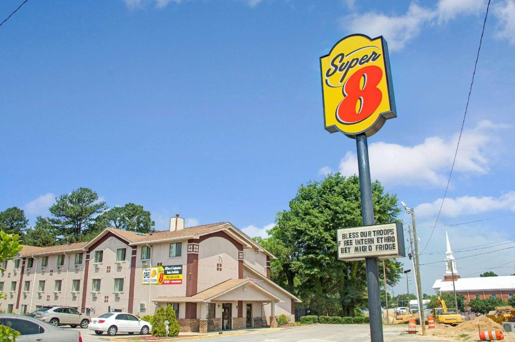 Super 8 By Wyndham Spring Lake/ Fort Bragg