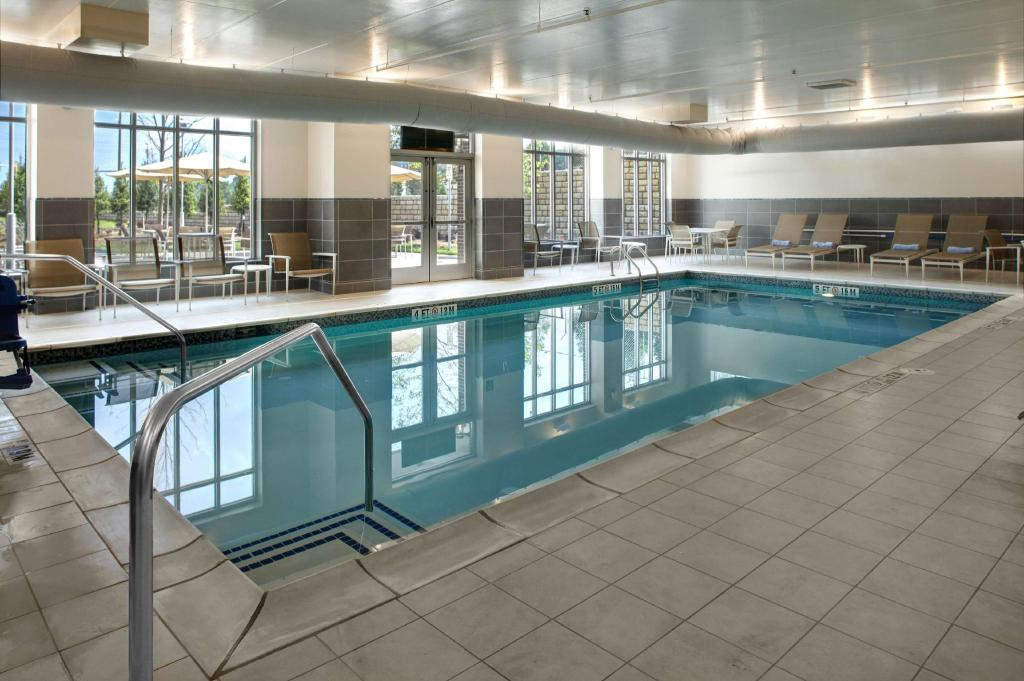 Kolam renang Hyatt House Atlanta Cobb Galleria