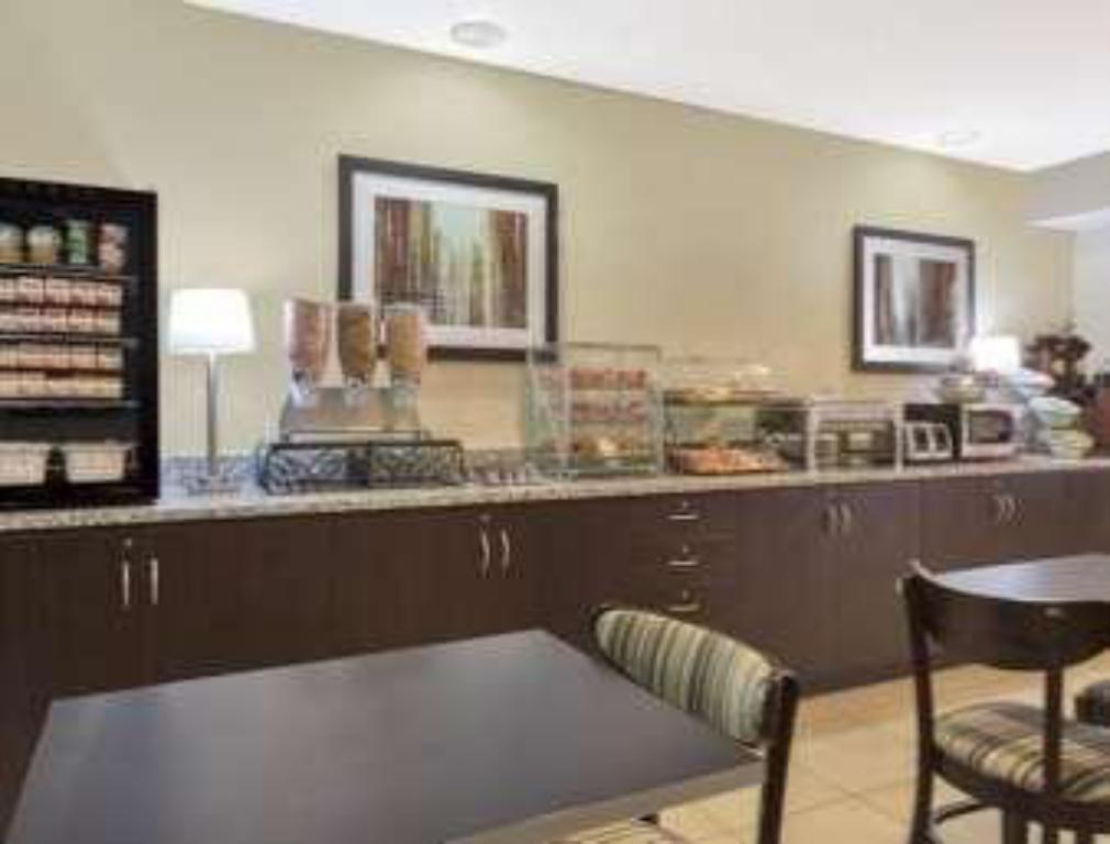 Coffee Shop/Café Microtel Inn & Suites Greenville by Wyndham