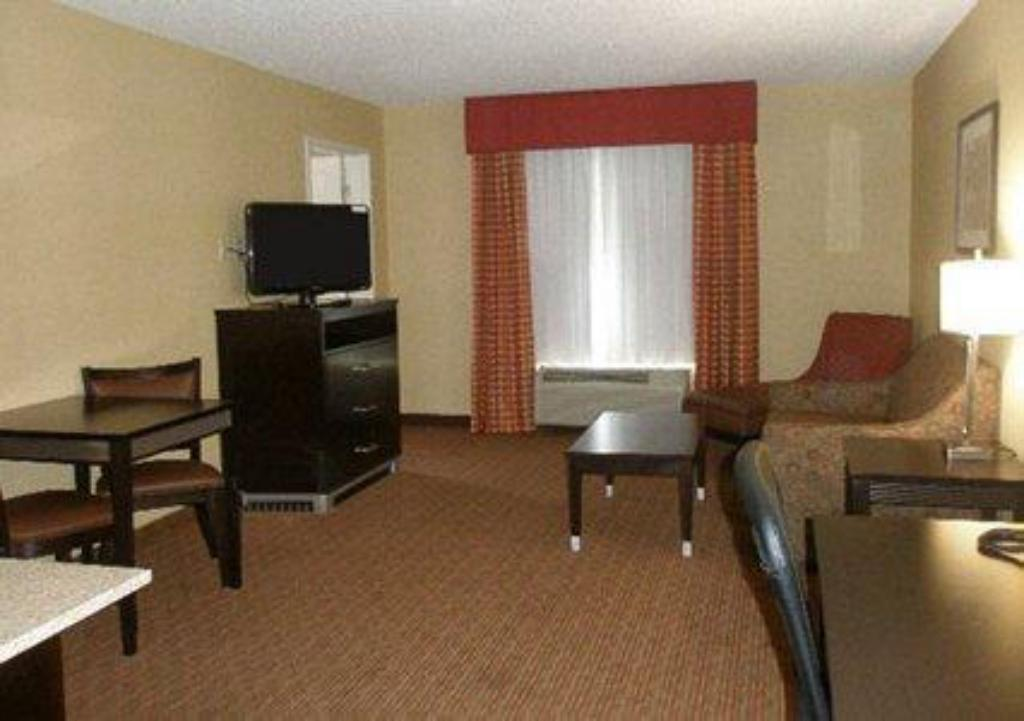 Lobi Quality Inn & Suites Warner Robins