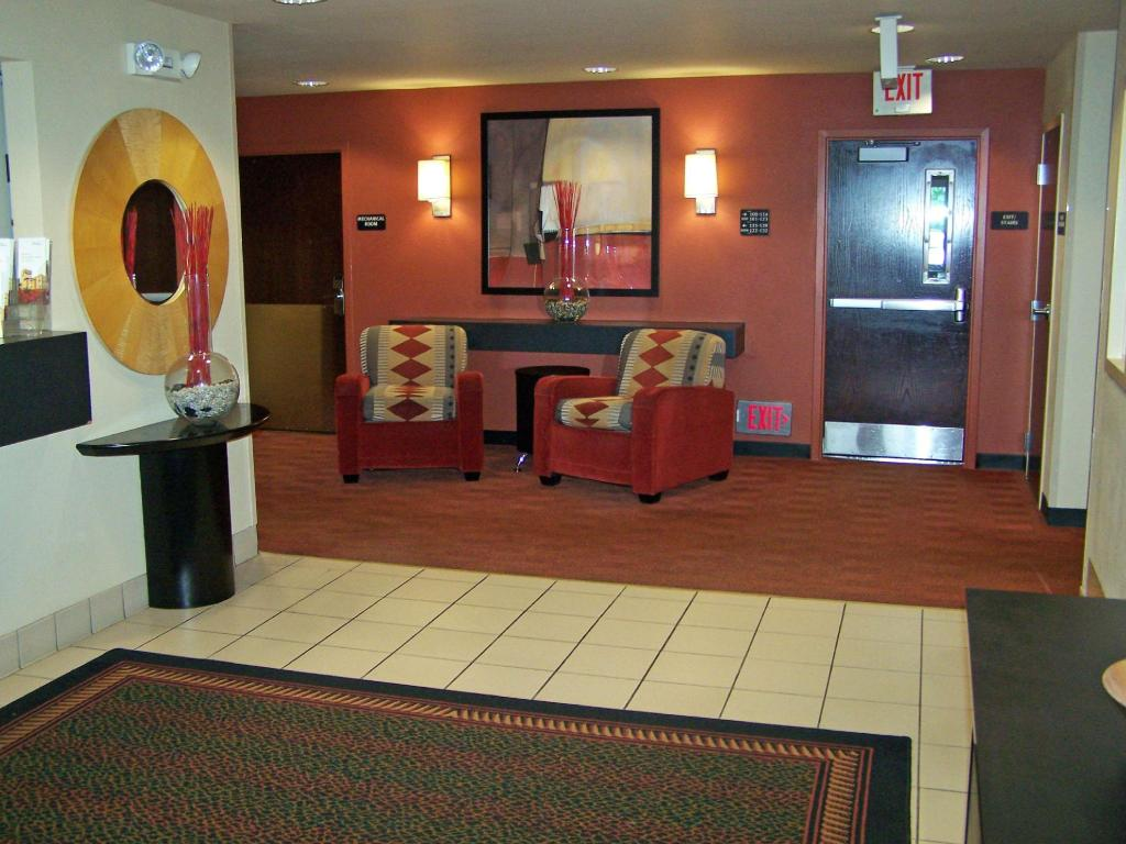Lobby Extended Stay America Minneapolis Maple Grove