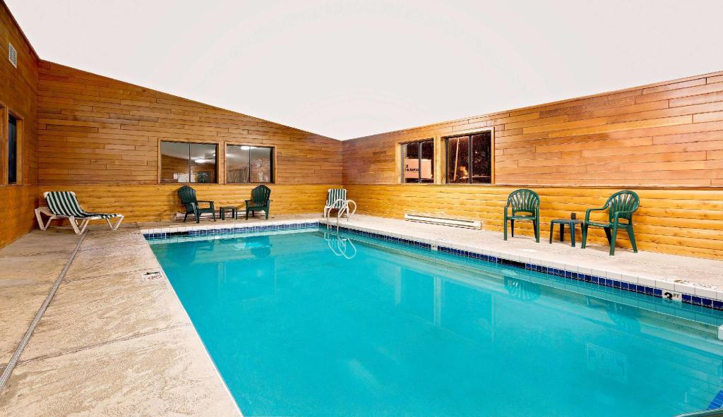 Piscina Super 8 By Wyndham Ashland