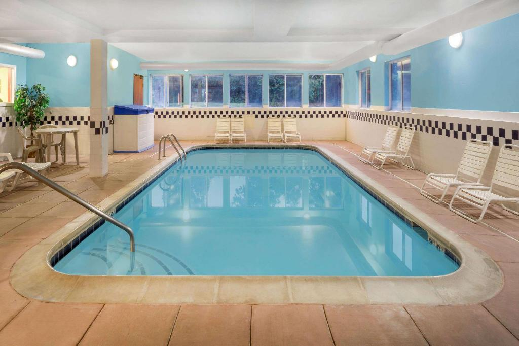Piscina Baymont by Wyndham Huber Heights Dayton