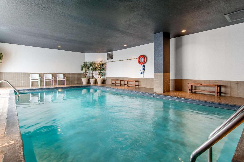 Piscina Hotel Quartier, an Ascend Hotel Collection Member