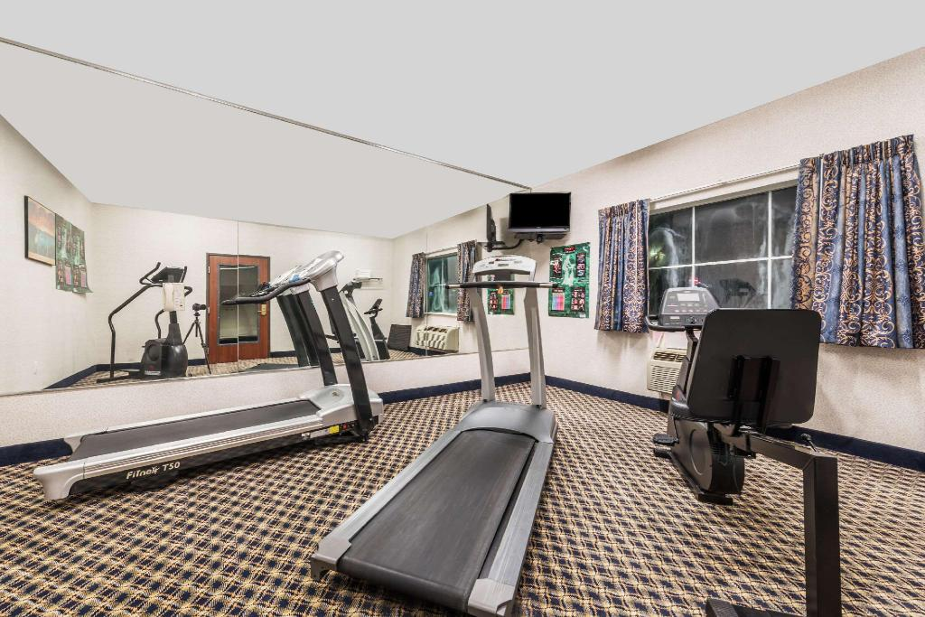 gym Super 8 By Wyndham Weatherford