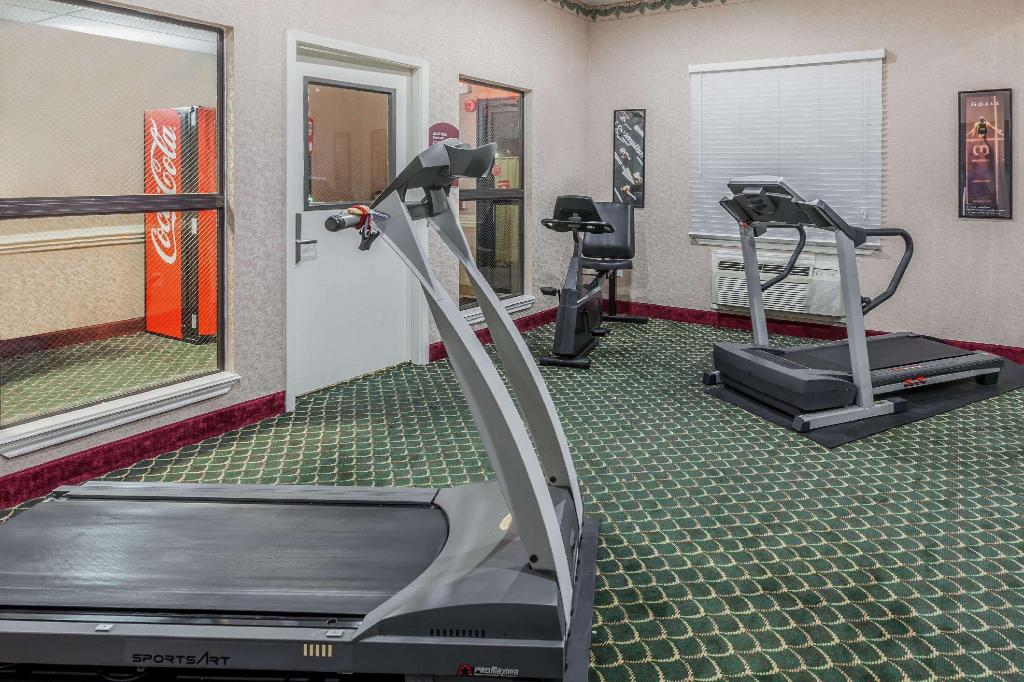Centro de fitness Days Inn & Suites by Wyndham Pasadena