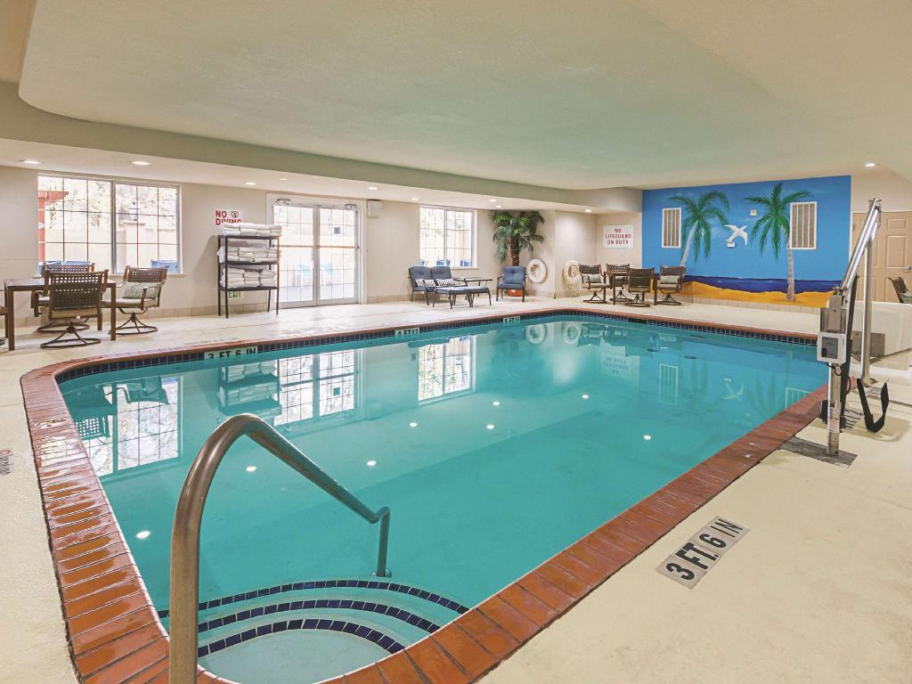 Piscina La Quinta Inn & Suites Houston Kingwood Medical