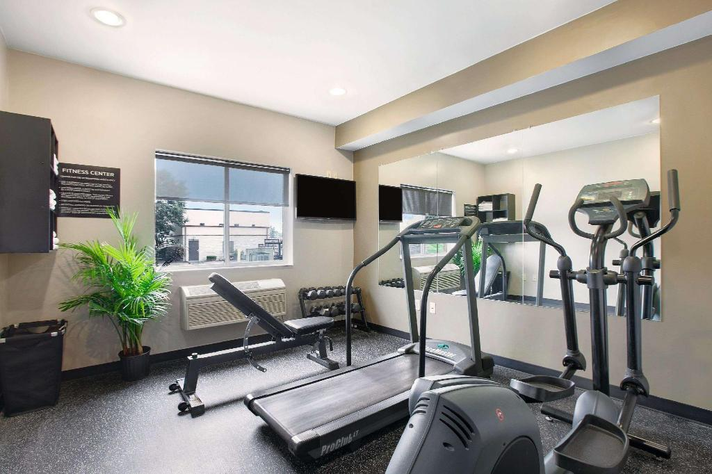 gym Super 8 By Wyndham Akron S/Green/Uniontown Oh