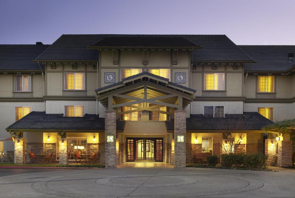 Larkspur Landing Folsom - An All-Suite Hotel