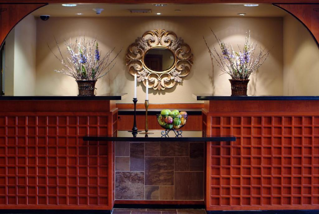 Lobby Larkspur Landing Folsom - An All-Suite Hotel
