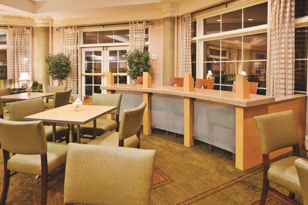Lobi La Quinta Inn & Suites Charlotte Airport South