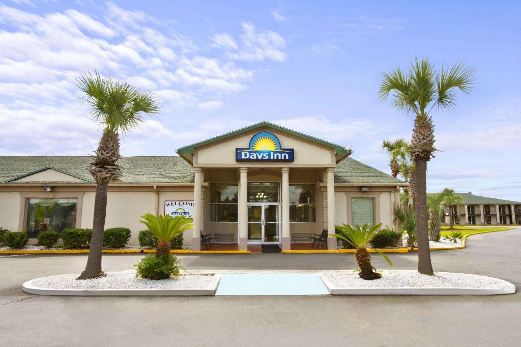 Days Inn by Wyndham Hardeeville/ I-95 State Line