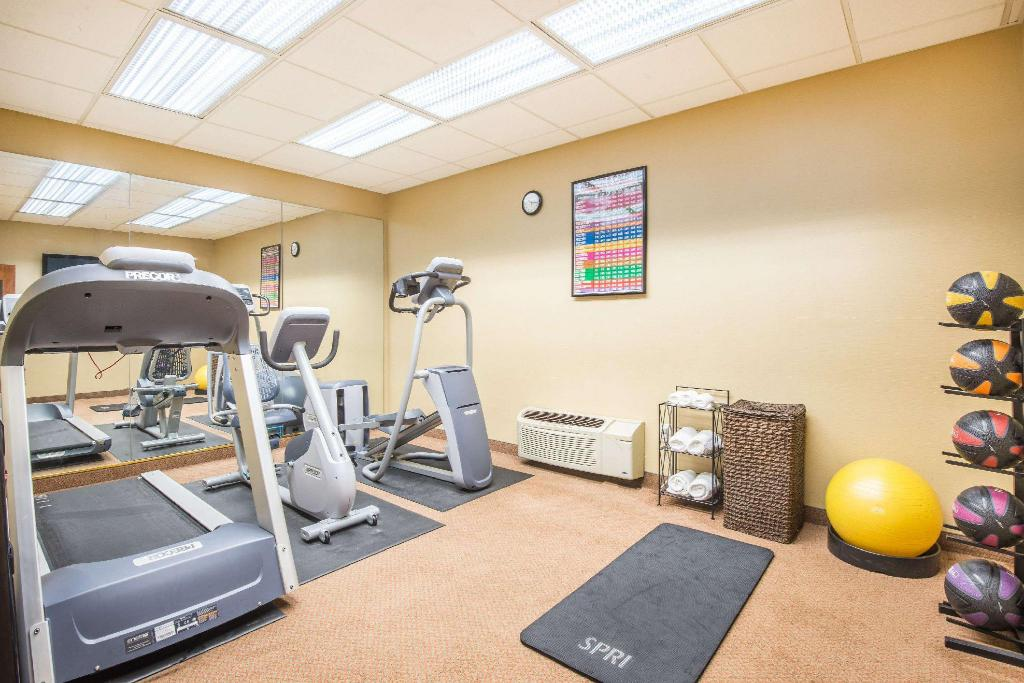 gym Days Inn by Wyndham Baltimore South/Glen Burnie
