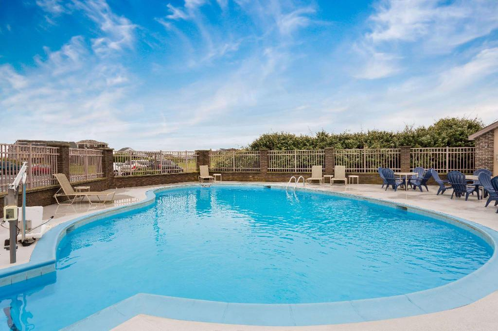 utomhuspool Baymont by Wyndham Kitty Hawk Outer Banks