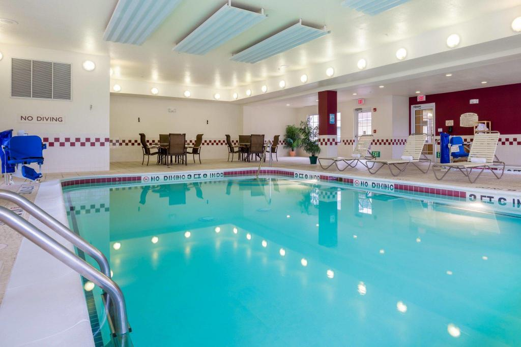 Pool Residence Inn Houston North