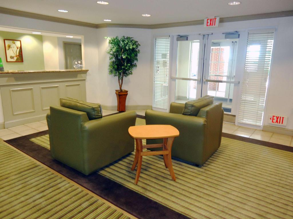 Lobby Extended Stay America Greensboro Airport