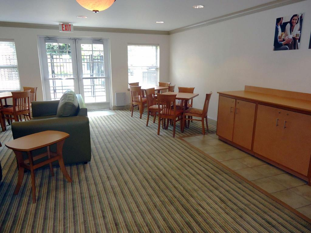 Vista interior Extended Stay America Greensboro Airport
