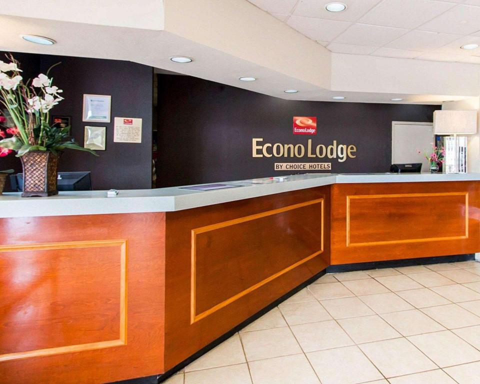 Lobby Econo Lodge Savannah South