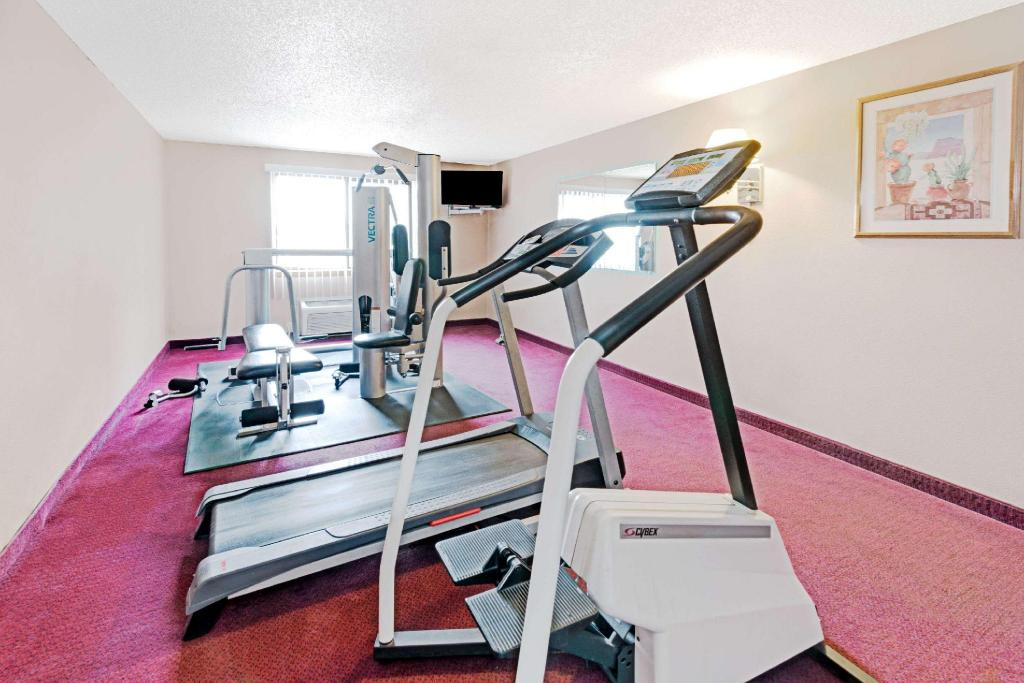 gimnasio Super 8 By Wyndham Santa Fe