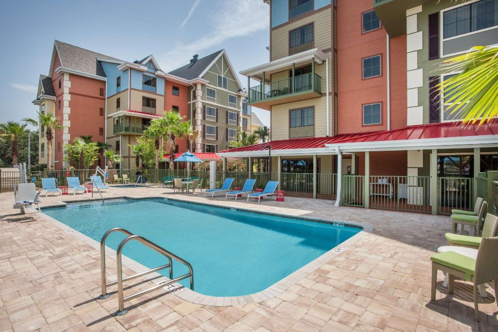 Piscina exterior Tryp By Wyndham Sebastian St. Augustine