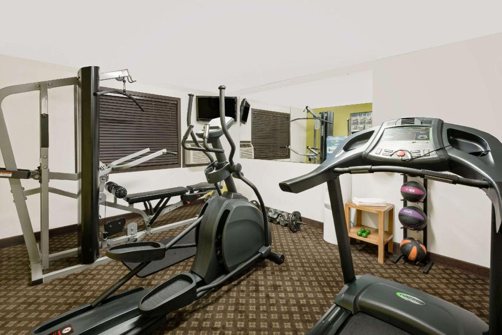 gym Days Inn by Wyndham Fort Dodge