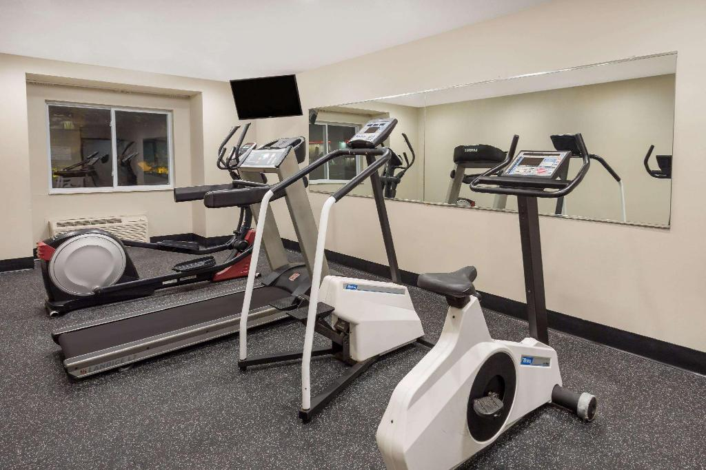 Centro de fitness Microtel Inn & Suites by Wyndham Richmond Airport
