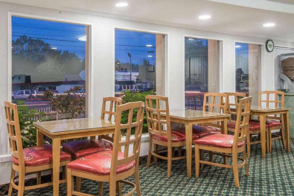 Kafe Super 8 By Wyndham W Yarmouth Hyannis/Cape Cod