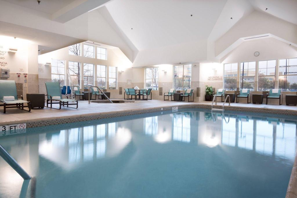 Pool Residence Inn Dallas Arlington South