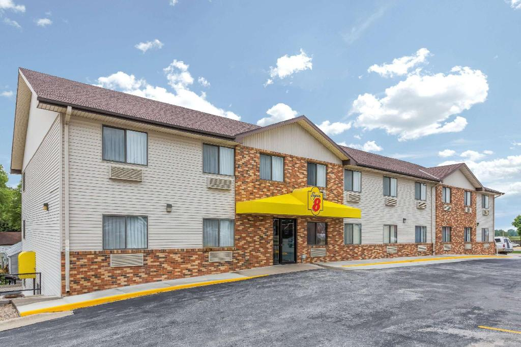 Super 8 By Wyndham West Point