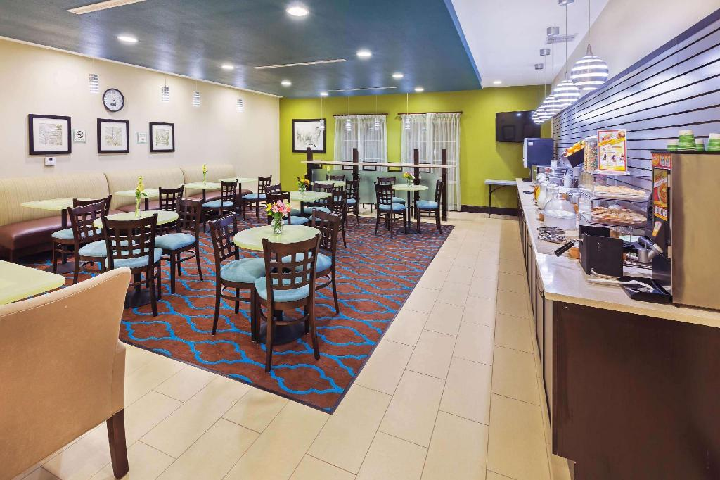 Ver as 6 fotos La Quinta Inn & Suites Floresville