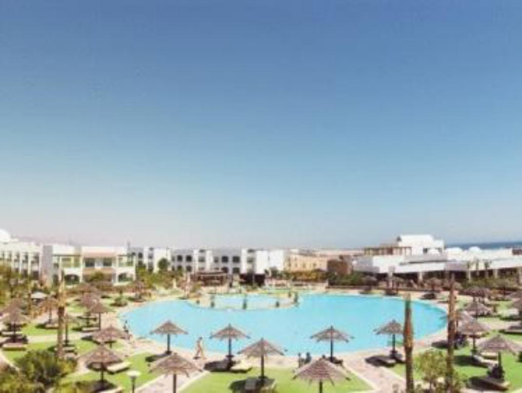 Swimming pool Coral Beach Resort Montazah (Ex. Rotana)