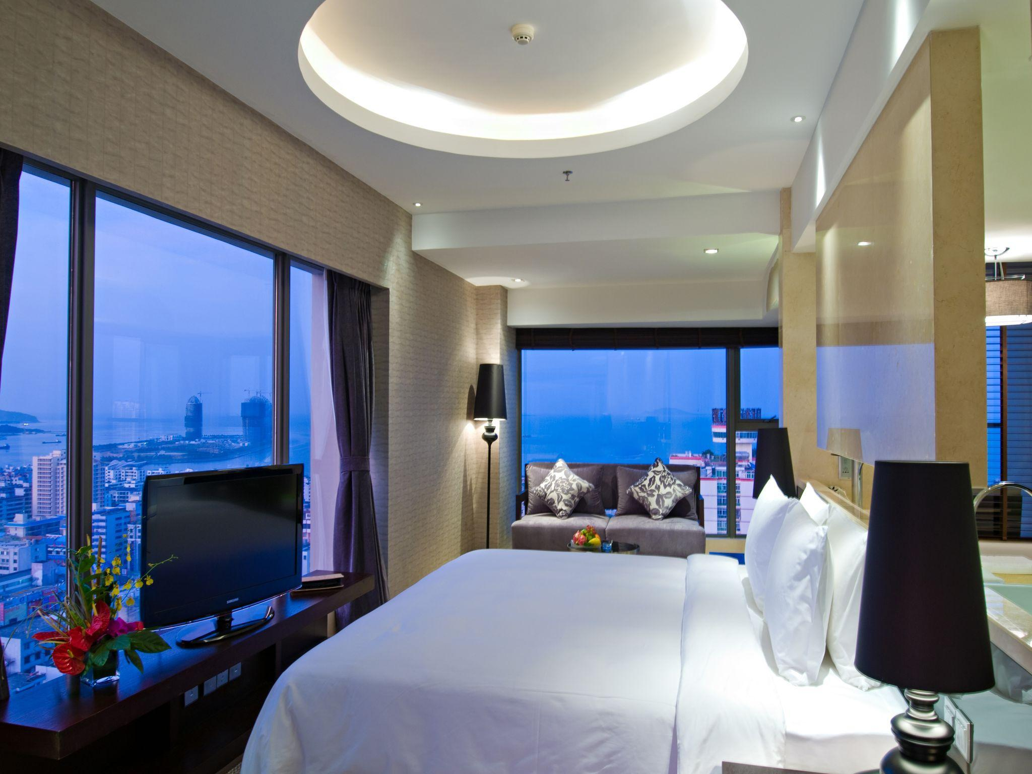 King Grand Sea View Room