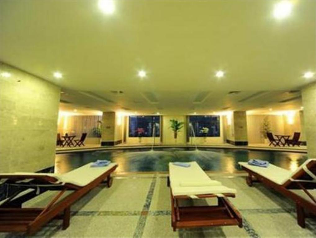 Piscina Muong Thanh Grand Hanoi Hotel