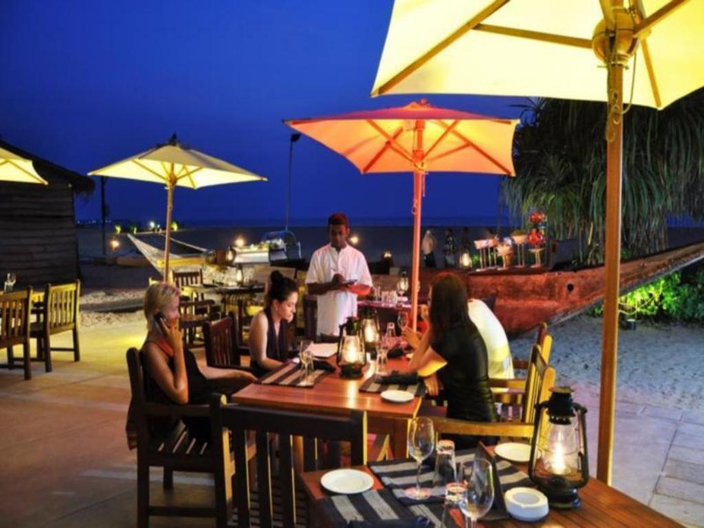 Jetwing Blue in Negombo - Room Deals, Photos & Reviews