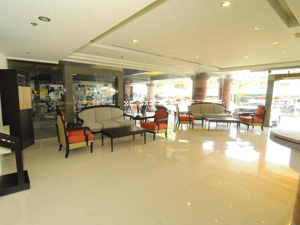 Lobi Regency Inn