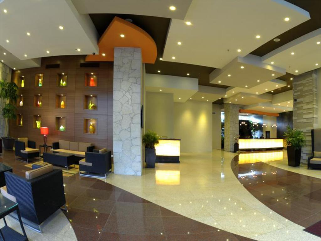 Lobby M Hotels - Tower A