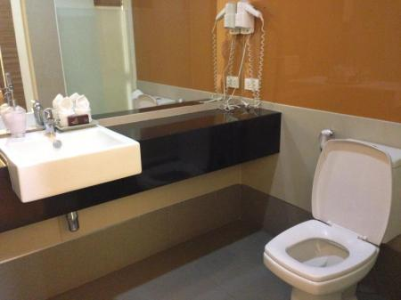 Bathroom Asoke Suites Hotel