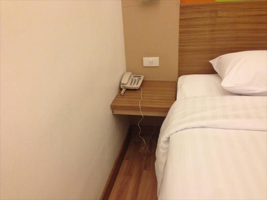 Superior Room Asoke Suites Hotel