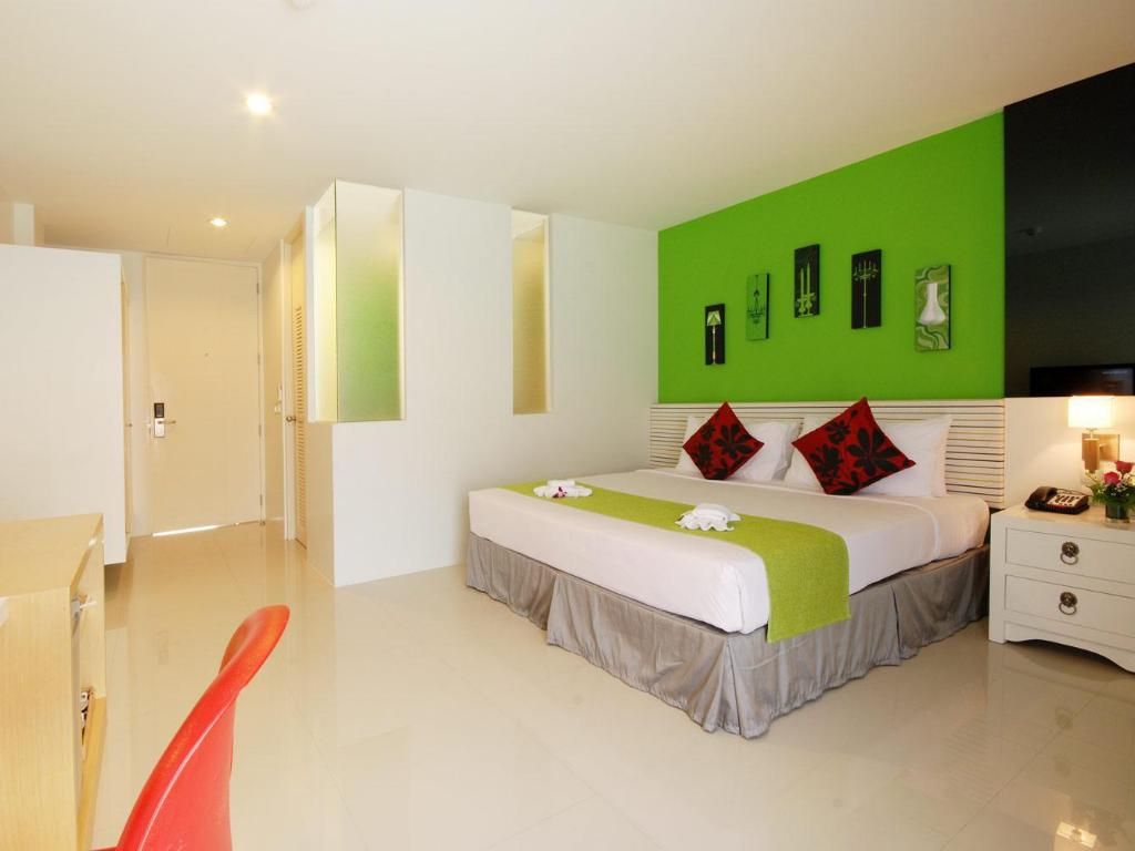 Studio - Guestroom The Lantern Resorts Patong