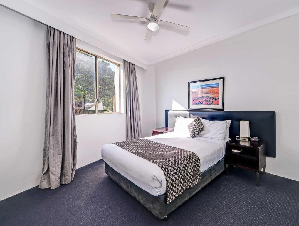 1 Queen Suite Accessible Non-Smoking Quality Apartments Camperdown