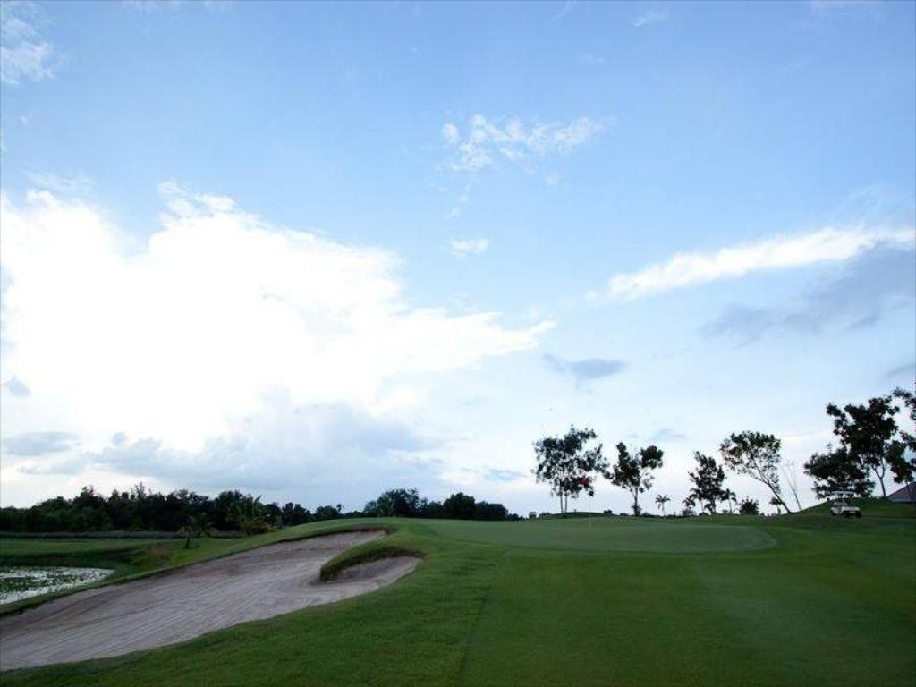 terrain de golf (sur site) Uniland Golf & Resort