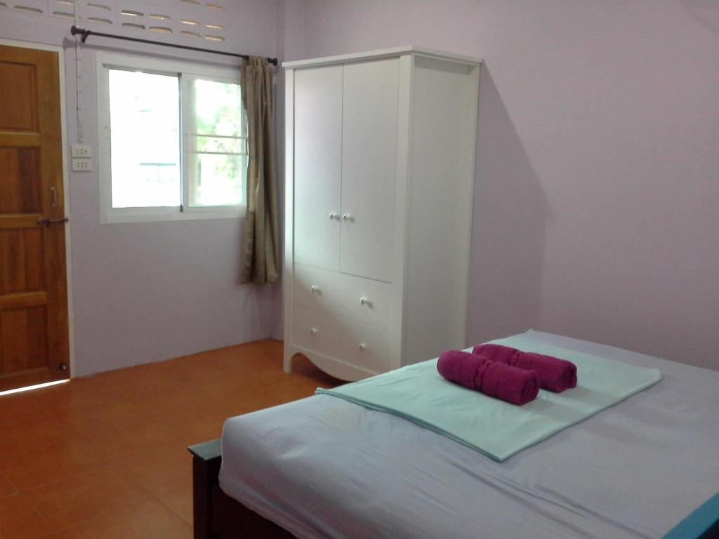Standard Double Room with Fan Lanta Garden Home