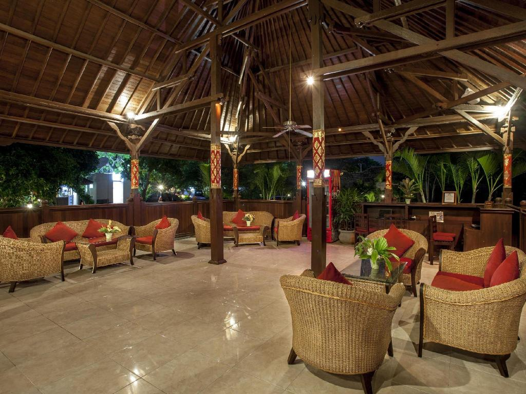 Lobby Adi Assri Beach Resort & Spa Pemuteran