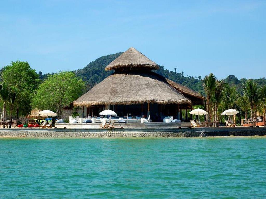 More about The Blue Sky Resort@ Koh Payam