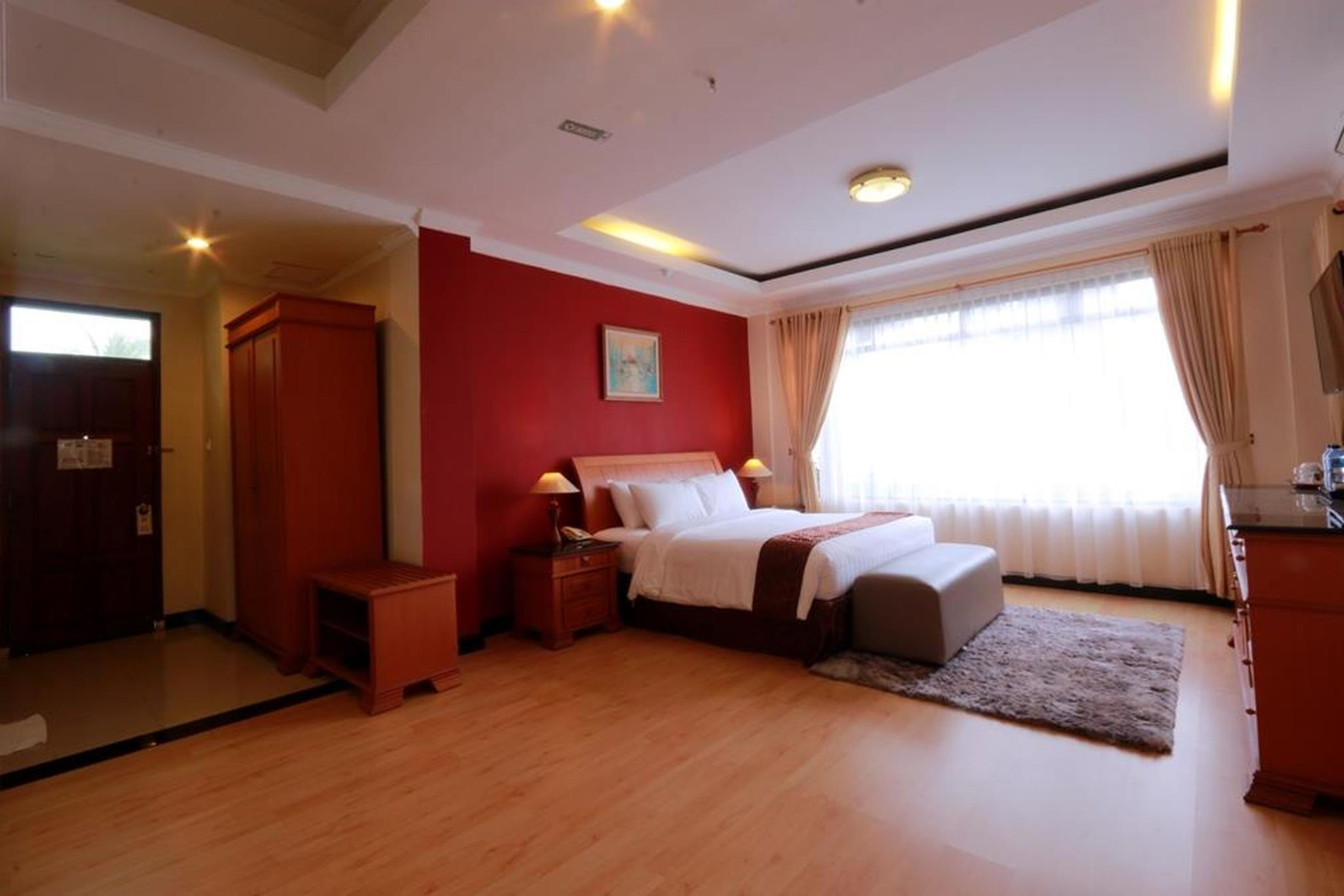 Suite Junior dengan Jacuzzi (Junior Suite with Jacuzzi)