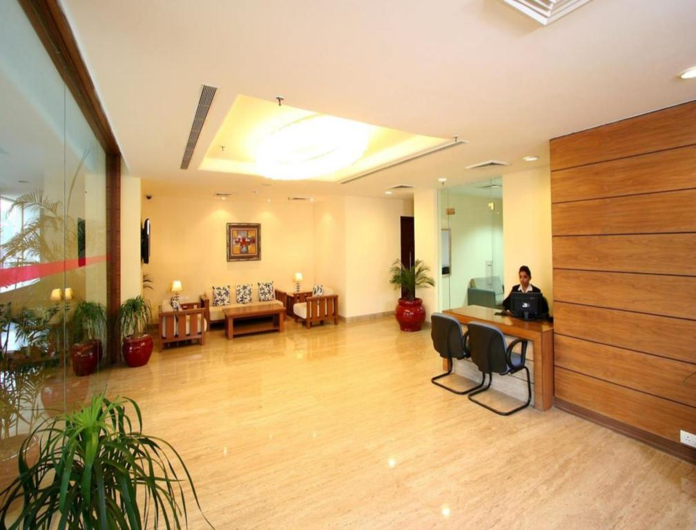 Clarks Inn Suites - Delhi NCR in New Delhi and NCR - Room