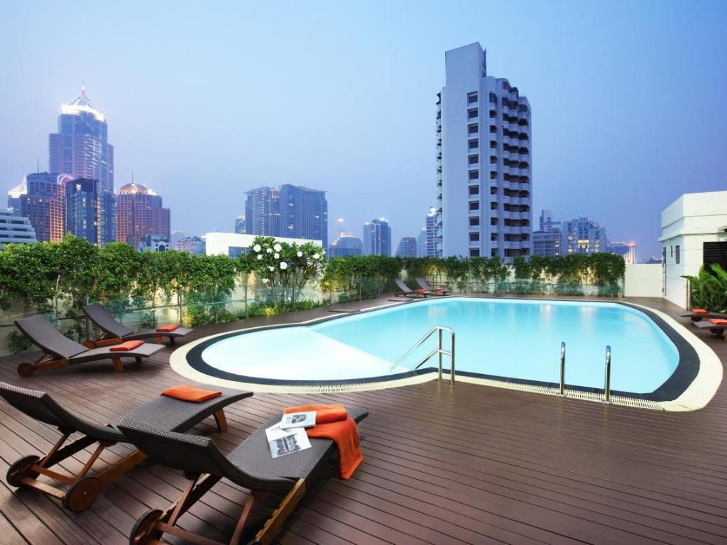 Swimming pool Lohas Residences Sukhumvit